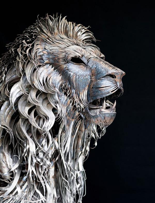 鋼鉄のライオン彫刻、アスラン by Selçuk Yılmaz 2