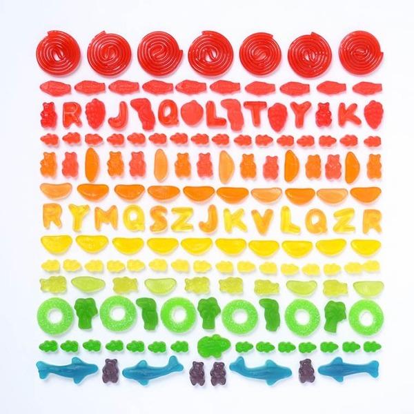 物で虹の色彩を作るアート写真プロジェクト (6)