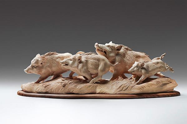 生き生きとした躍動感!野生動物の木彫りの彫刻作品 (4)