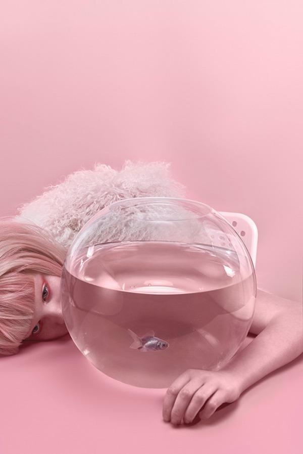 ピンクモノクローム、ミズラヒカロライナ Carolina Mizrahi 5