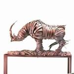なんかメカっぽくてカッコイイ。野生動物、人間、建造物の彫刻