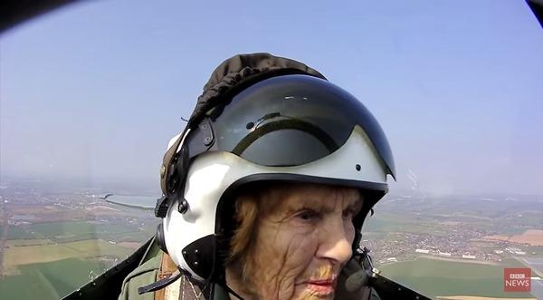 パイロットの顔つき