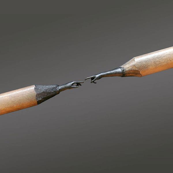 鉛筆の芯に彫る!信じられないくらいに小さい超ミニチュア彫刻 (1)