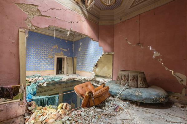 廃墟画像の不思議な魅力。放棄されたヨーロッパの建物 (18)