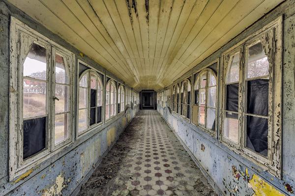 ヨーロッパの廃墟画像!寂れた建物の内観でメランコリック (14)