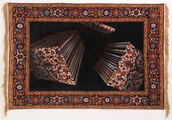 歪む、溶ける、飛び出す!不思議な形をした絨毯 (2)