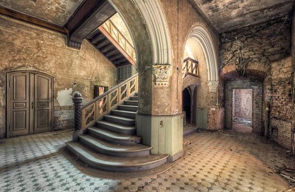 ヨーロッパの廃墟画像!寂れた建物の内観でメランコリック (18)