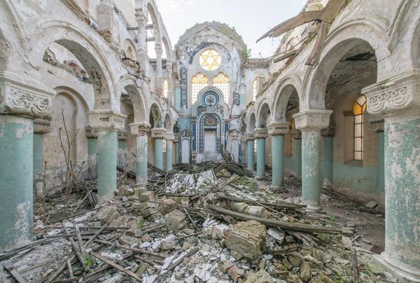 廃墟画像の不思議な魅力。放棄されたヨーロッパの建物 (6)