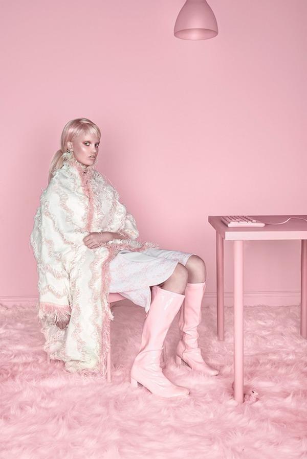 ピンクモノクローム、ミズラヒカロライナ Carolina Mizrahi 10