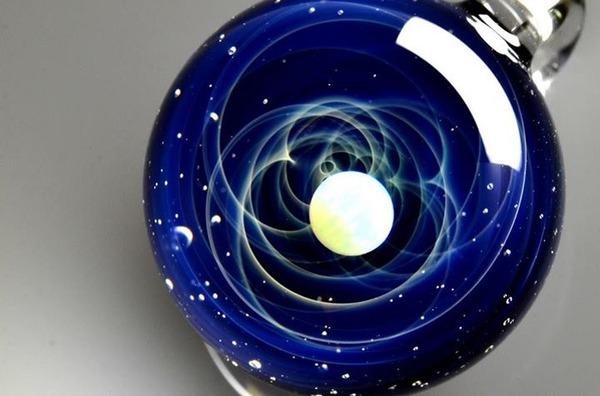 ガラスの中に宇宙!幻想的なペンダントトップ『宇宙ガラス』 (15)