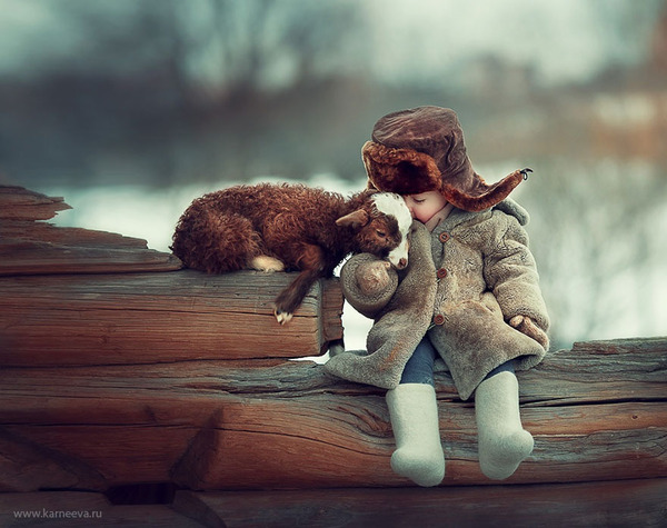 子ヤギと人間の子供