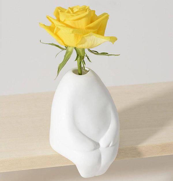 一輪の花を飾るための人型花瓶『フラワーマン』 (4)
