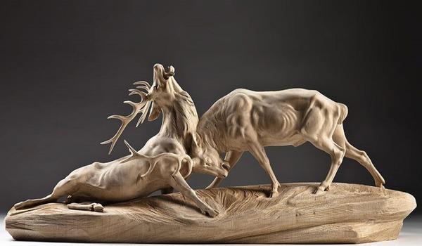 生き生きとした躍動感!野生動物の木彫りの彫刻作品 (11)
