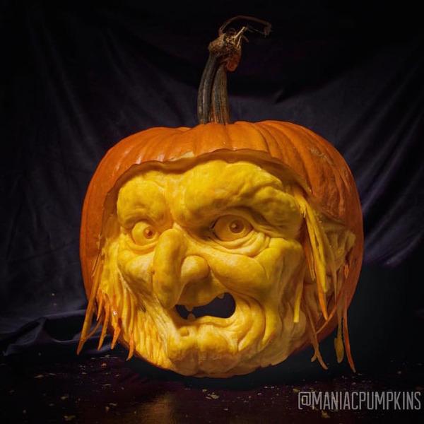 Maniac Pumpkin Carvers (5)