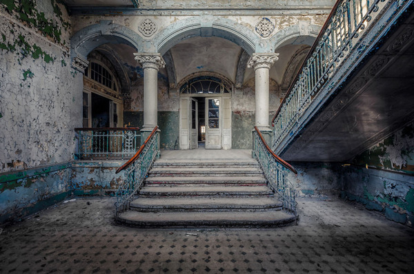 ヨーロッパの廃墟画像!寂れた建物の内観でメランコリック (27)