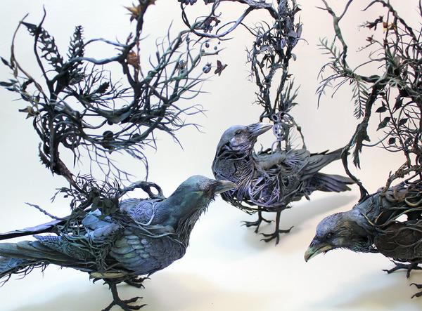 鳥の彫刻アート