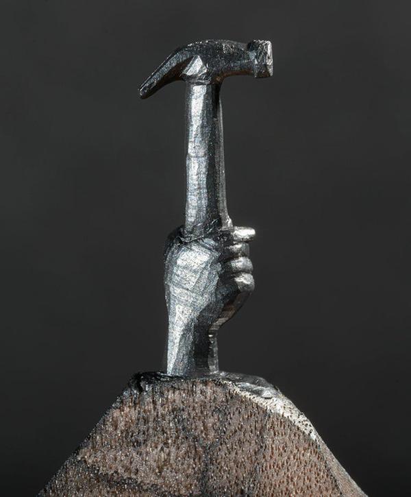 手先器用すぎ!機関車他、鉛筆の芯に彫る超小さな彫刻 (7)