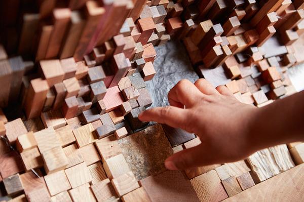 まるで異空間…!膨大な数の木片で構成された秘密の隠れ家 (7)