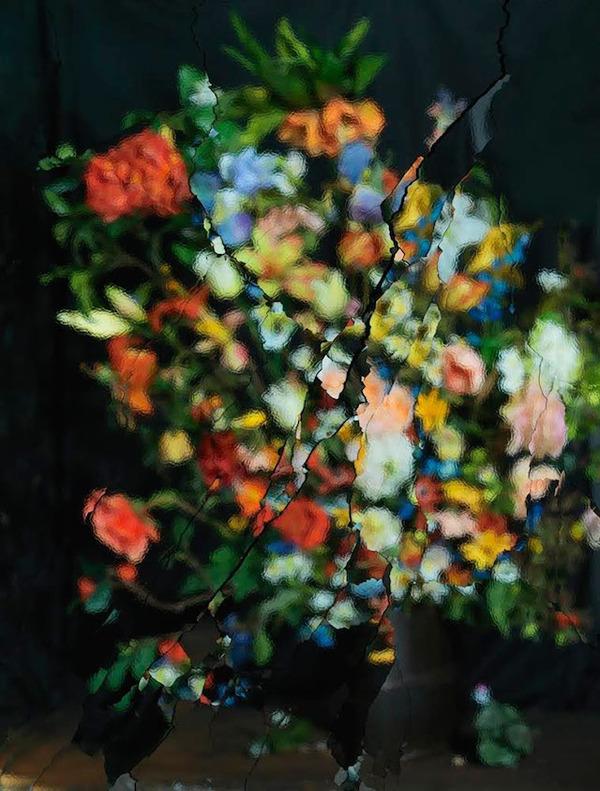 壊れた鏡に反射させた花 2