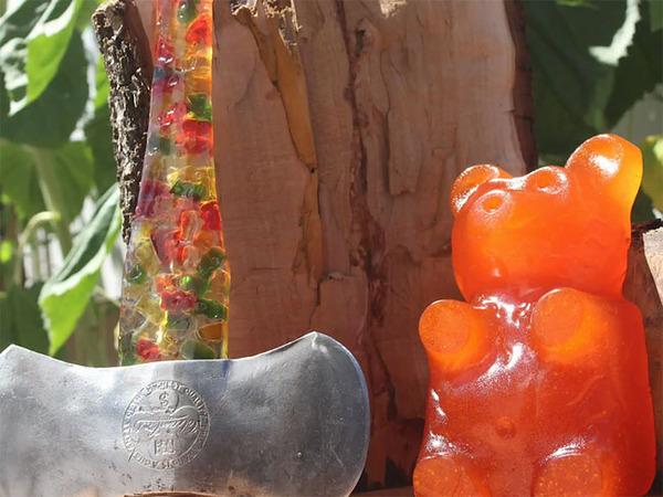 熊グミ斧!クマのグミってさぁ。色んな使い方ができるんだよ (12)
