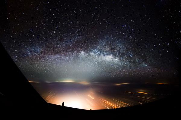 コックピットから撮影された壮大な空の写真 (23)