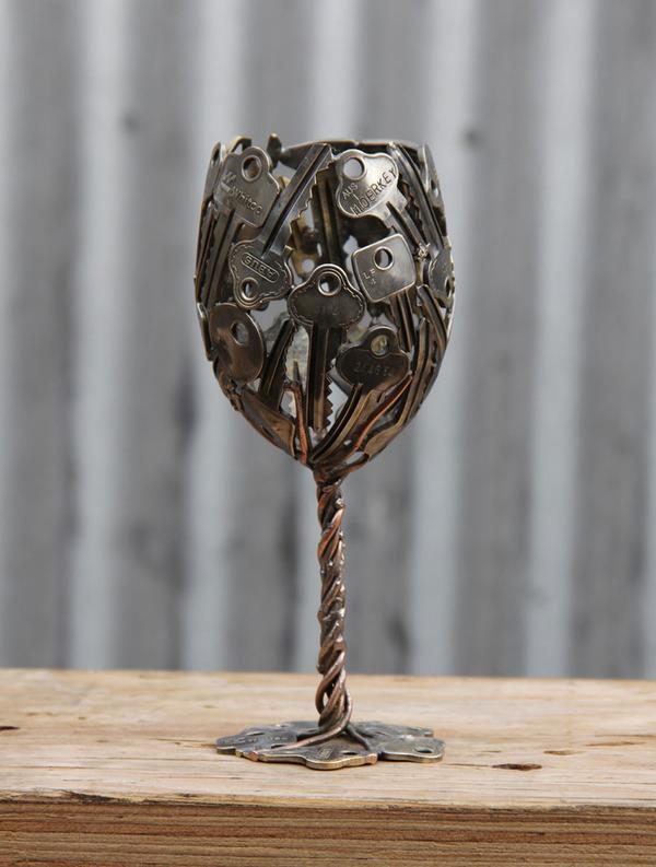 金属彫刻のリサイクルアート michael-moerkey 6