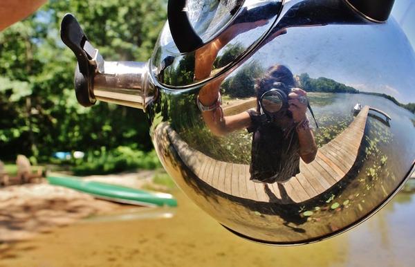 やかんで自撮り!アナログな手法で魚眼レンズ効果を得る (5)