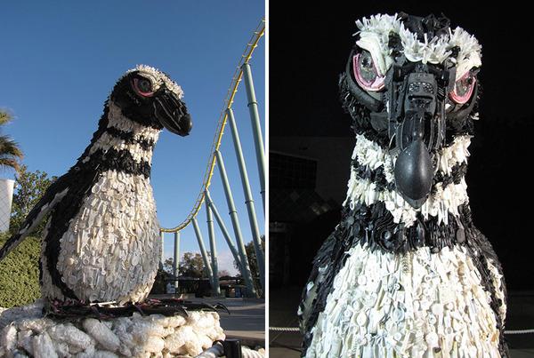 海岸で拾ったゴミで作られた海洋生物の巨大な彫刻 (13)