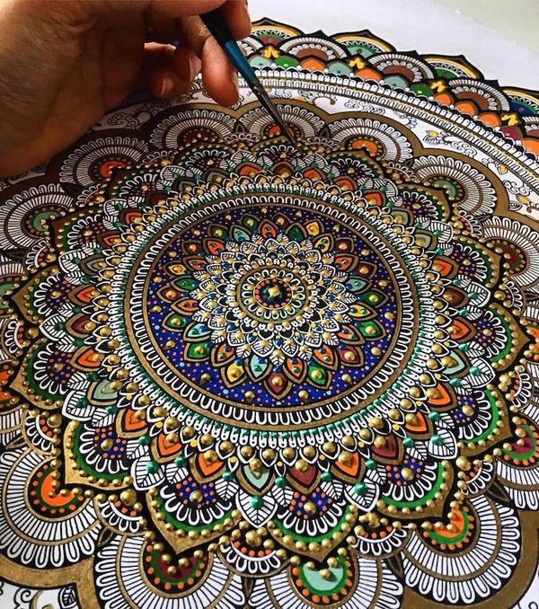 忍耐の賜物…手描きの曼荼羅模様がすごい (12)