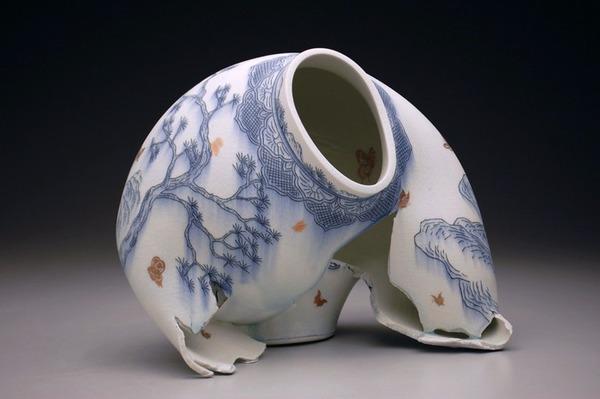 ぐんにゃりぶっ壊れてる!破壊された陶磁器の彫刻作品 (2)