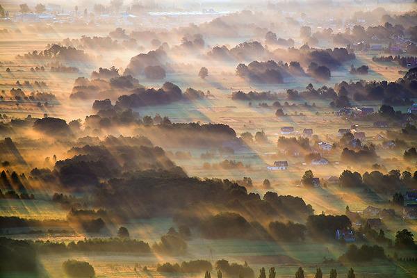 陽が差し込んだポーランドの景色10