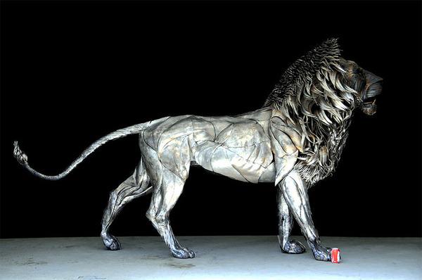 鋼鉄のライオン彫刻、アスラン by Selçuk Yılmaz 1
