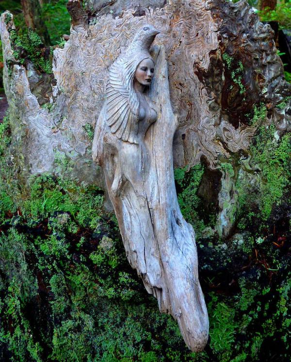 ロマサガのボスっぽい…流木に宿る女性彫刻! (8)