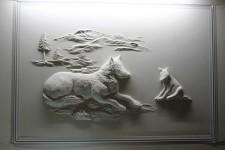 石膏職人の技!乾式壁に描く立体的な石膏彫刻