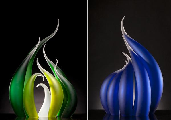 ニュルもしくはニョロっとした波打つ半透明性のガラス彫刻 (6)
