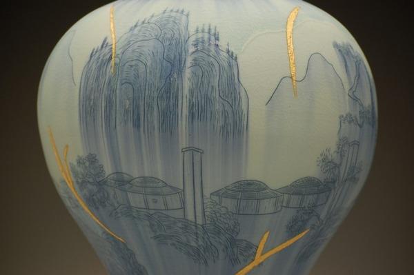 ぐんにゃりぶっ壊れてる!破壊された陶磁器の彫刻作品 (7)