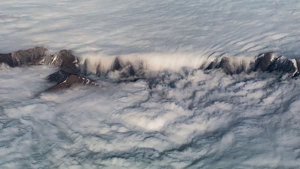 コックピットから撮影された壮大な空の写真 (3)