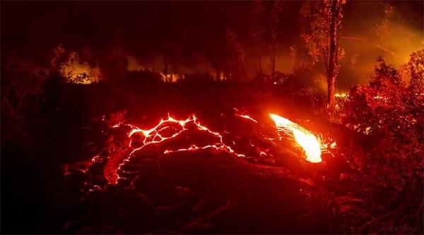 まるで地獄のようなキラウエア火山