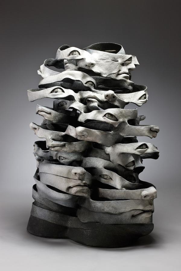 物質が歪み分解する。幻覚を見ているような奇妙な彫刻作品 (1)