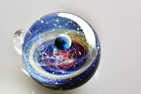 ガラスの中に宇宙!幻想的なペンダントトップ『宇宙ガラス』 (19)