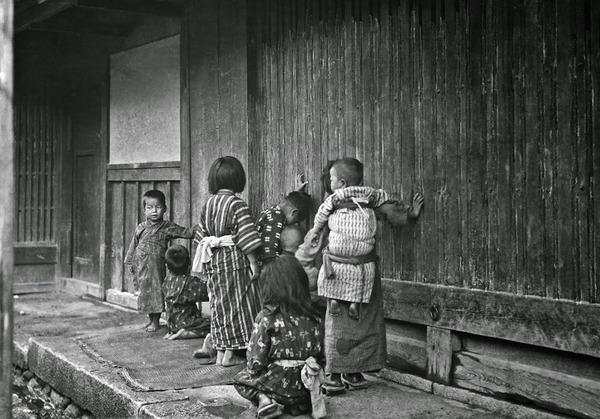 約100年前、明治時代に撮られた白黒写真。日本人の日常を映す (13)
