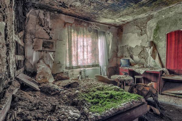 ヨーロッパの廃墟画像!寂れた建物の内観でメランコリック (6)