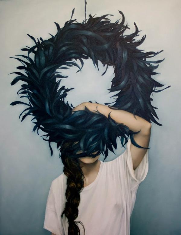 頑なに顔は見せない!顔が隠されたシュールな女性の肖像画 (4)