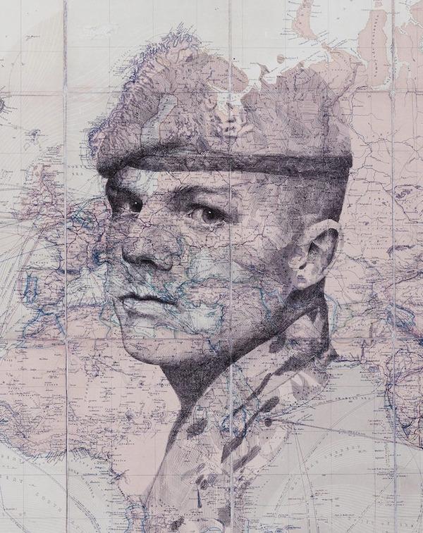 地図をキャンバスにして描く印象的な肖像画 (4)