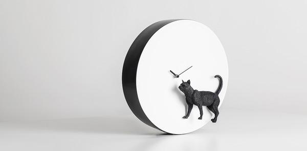 夜行性動物のシルエットが浮かぶ!月のように輝く蓄光時計 (2)
