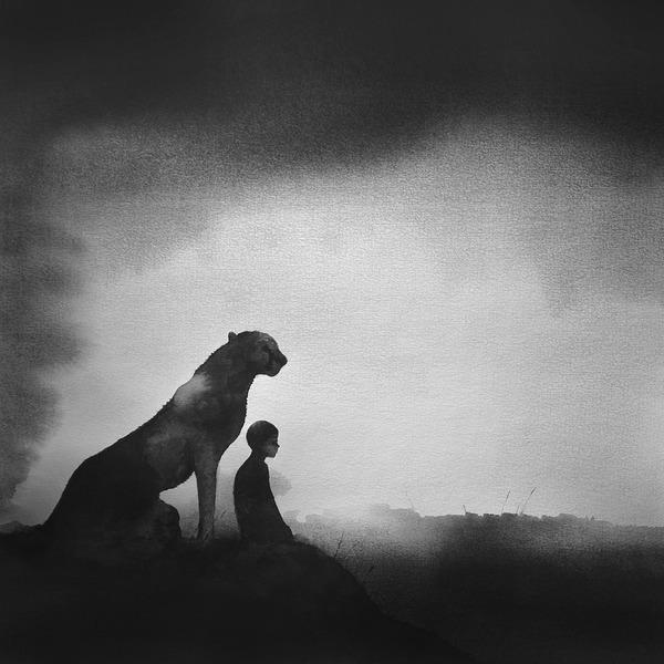 動物と少年のモノクロ絵画 Elicia Edijanto (7)