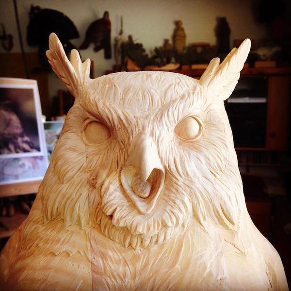生き生きとした躍動感!野生動物の木彫りの彫刻作品 (7)