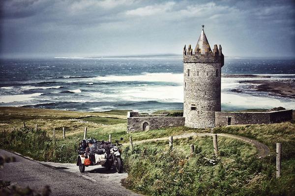 06 アイルランドのDoonagore Castle