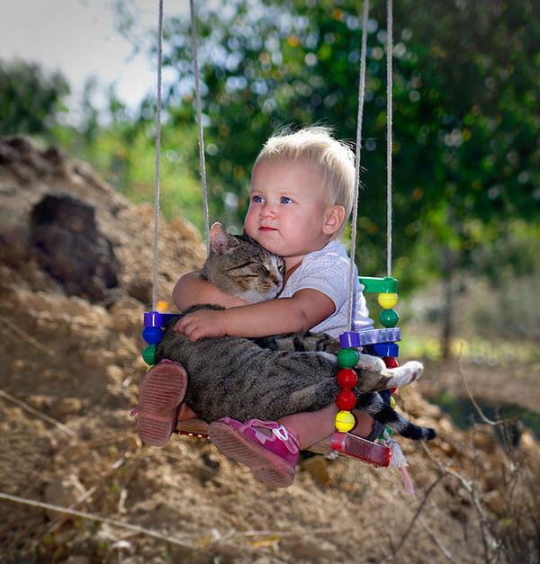 ペットは大切な家族!犬や猫と人間の子供の画像 (79)