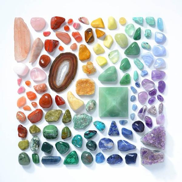 物で虹の色彩を作るアート写真プロジェクト (9)